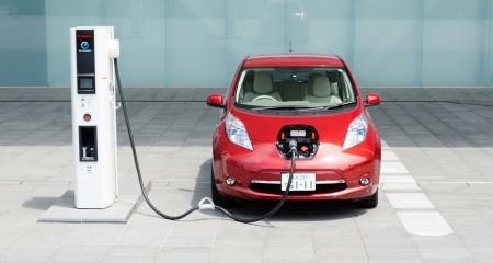 В Европе 50 000 станций для зарядки электромобилей будут принимать к оплате криптовалюты.